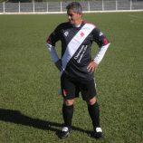 Com gol de artilheiro Zil, Santa Cruz vence a Piteiras