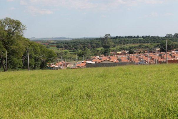 No Residencial Floresta, o número de moradias nos prédios ainda não foram fechados (Foto: EVerton Zaniboni)