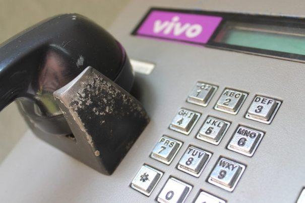 As chamadas para um telefone fixo custam menos do que falar de um celular (Foto: Everton Zaniboni)