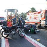 Homem de moto morre em colisão com um trator