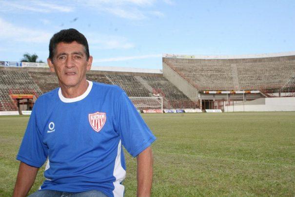 Wanderley chegou ao Mogi antes da Era Barros e acompanhou surgimento de Rivaldo, ainda franzino. (Foto: Arquivo)