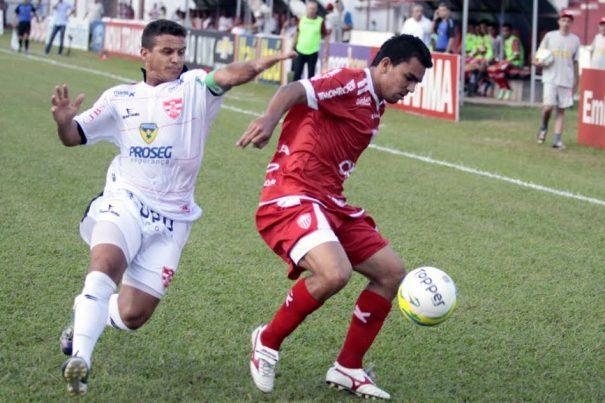 Mogi Mirim, de Edson Ratinho, conquistou a primeira vitória fora. (Foto: J. Serafim/Correio de Lins)