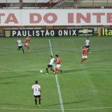 Chacoalhado por Rivaldo, Mogi Mirim encara a Portuguesa no Canindé