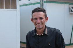 José Roberto agora conversa com a família pela internet (Foto: Everton Zaniboni)