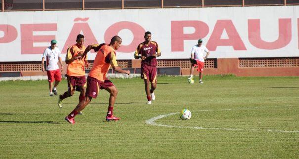 Rivaldo treinou com o elenco do Mogi Mirim, se sentiu bem e foi relacionado para a partida contra o XV. (Foto: Divulgação)
