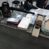 Polícia prende dois e fecha disk entrega de drogas no Mirante