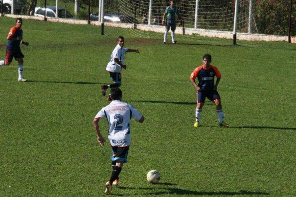 Time das Estrelas das Piteiras foi o terceiro colocado da Segunda Divisão do Campeonato Amador de 2013. (Foto: Arquivo)