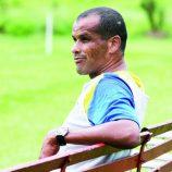 Assustado com as finanças, Rivaldo cogita deixar o Mogi  já