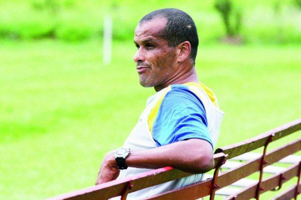 Após saída de Bonetti, Rivaldo se assustou com a situação financeira e pode deixar clube à deriva. (Foto: Arquivo)