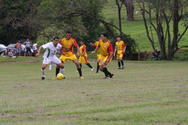 Aparecidinha venceu o Martim Francisco no jogo de ida da final do Rural. (Foto: Diego Ortiz)