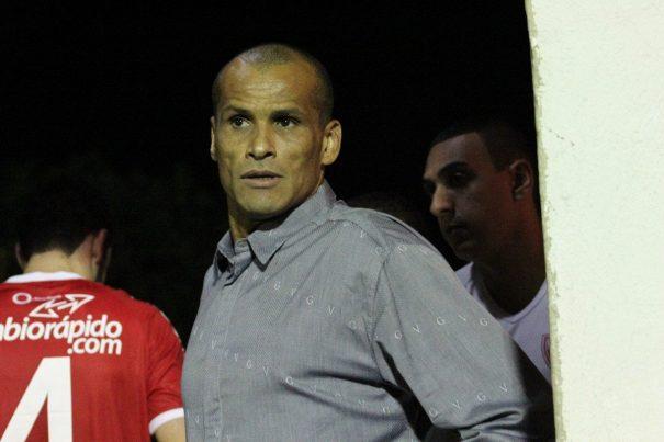Rivaldo contou estar assustado com a situação financeira do clube. (Foto: Arquivo)