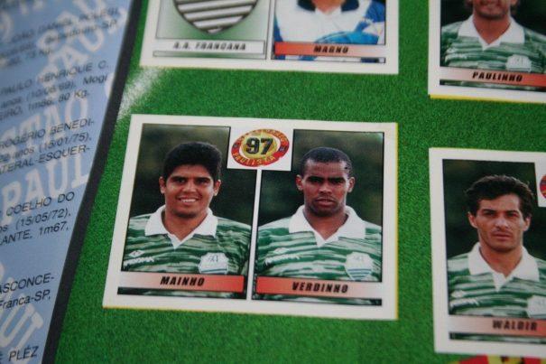 Zagueiro Mainho, hoje atleta conhecido no futebol amador de Mogi, em figurinha do Paulistão, pelo Francana. (Foto: Reprodução)