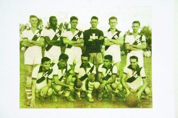 Equipe da Santa Cruz de 1954, quando o clube foi fundado . (Foto: Reprodução)