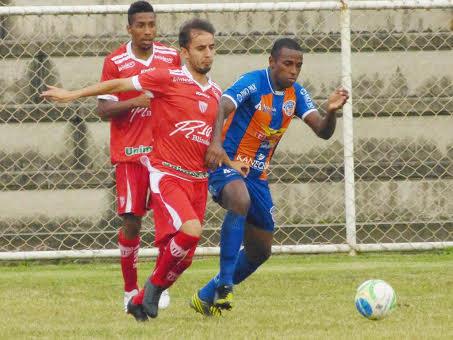 Mogi Mirim, do meia Vitinho, conquistou uma vitória em Duque de Caxias e soma seis pontos no certame. (Foto: Vitor Costa/Duque de Caxias FC)