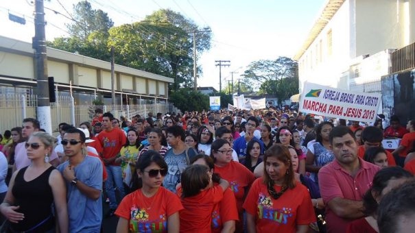Todos os anos, Marcha para Jesus é responsável por levar um grande número de pessoas às ruas de Mogi. (Foto: Divulgação)
