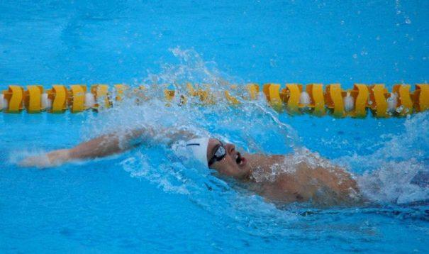Conrado Lino é um dos nadadores do Clube Mogiano/Free Play que vai disputar a seletiva. (Foto: Divulgação)