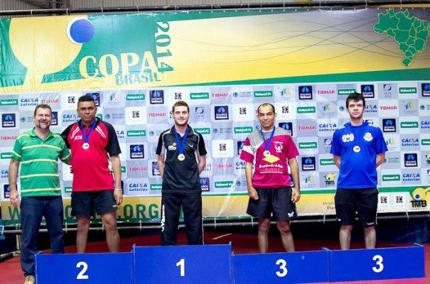 Luiz Manara perdeu apenas um set na Copa, em vitória na decisão
