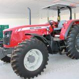 Secretaria de Agricultura recebe tratores e implementos agrícolas