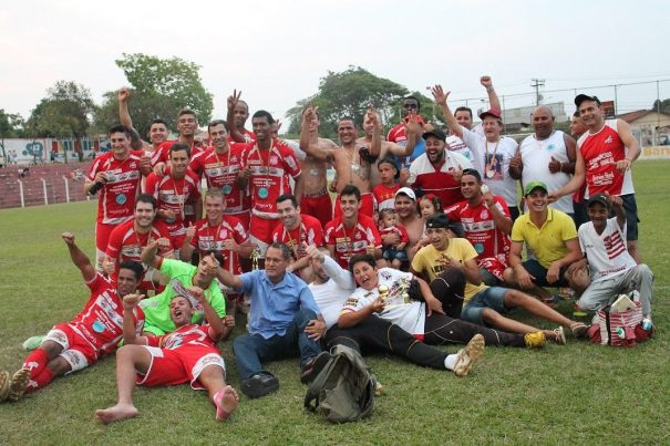 Vila Dias festejou o sexto título no Campeonato Amador da Primeira Divisão. (Foto: Diego Ortiz)
