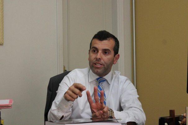 Promotor Rogério Filócomo investiga o caso de suposto superfaturamento (Foto:  Fernando Surur / Arquivo)