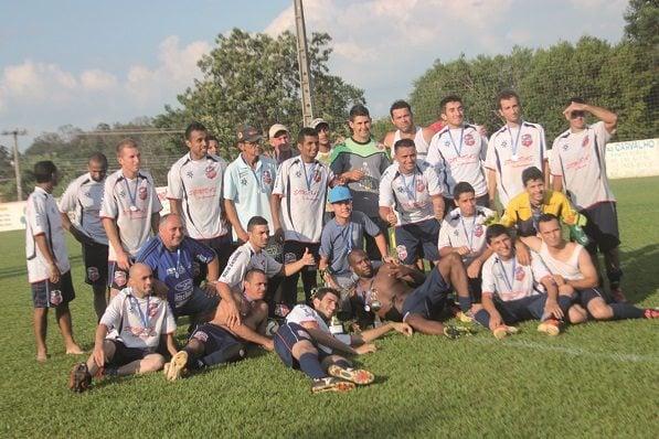 Unidos do Bairro Garcez ficou com o vice-campeonato da Série C do Campeonato Amador. (Foto: Diego Ortiz)