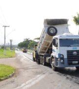 Trânsito de veículos segue interditado na Avenida Brasil para obras da Sesamm