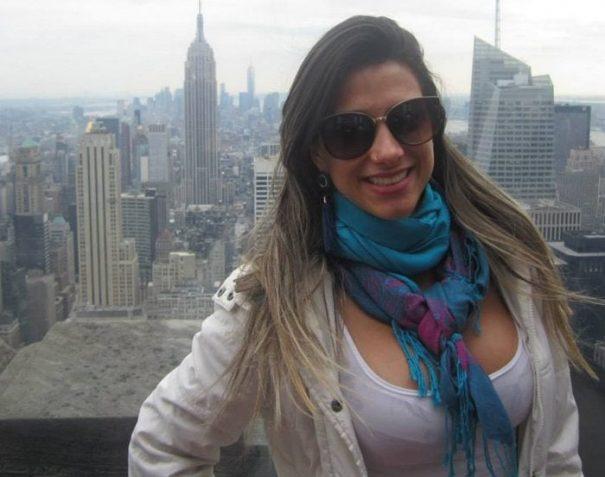 Gabriela Galhardoni, segundo denúncia, viajou a Nova York e recebeu o salário integral do mês (Foto: Reprodução)