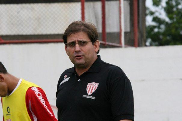 "Guto Ferreira recorda: ""jogamos bola juntos"". (Foto: Arquivo)"