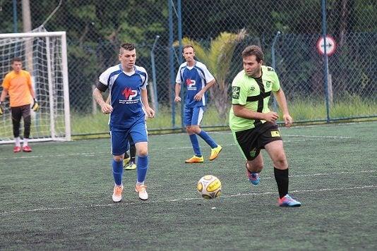 Amigos (azul), de Lucas Brasi, massacrou a equipe do Jahmaica. (Foto: Diego Ortiz)