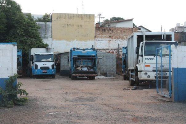 Coleta de lixo, antes realizada três vezes na semana, passou a ser feita em duas oportunidades (Foto: Ana Paula Meneghetti)
