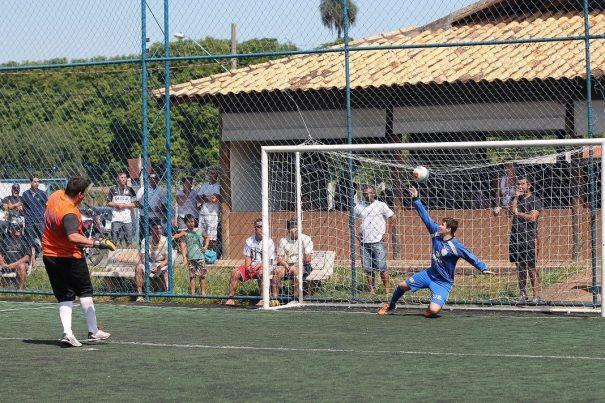 Goleiro Nikinho foi o destaque da classificação do Nazareth nos pênaltis, com direito a marcar até gol. (Foto: Diego Ortiz)