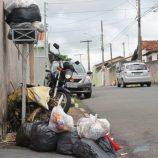 Após paralisação de um dia, coletores de lixo devem retomar serviços