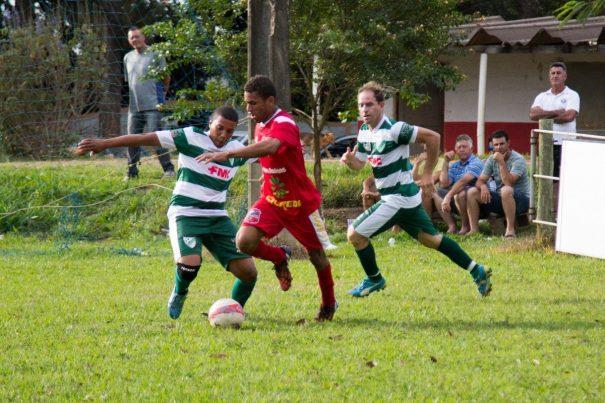 Jogando na casa do adversário, o Martim Francisco derrotou a equipe da Piteiras, que teria se classificado em caso de empate. (Foto: Cida Melo)