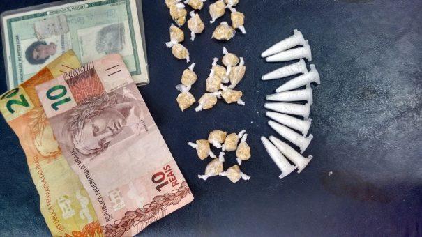 Crack, cocaína e dinheiro pertenciam a Adriana