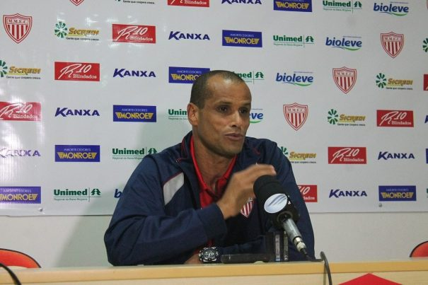 """""""Eu não tenho pretensão  nenhuma de tirar o time da cidade"""", garantiu Rivaldo. (Foto: Diego Ortiz)"""