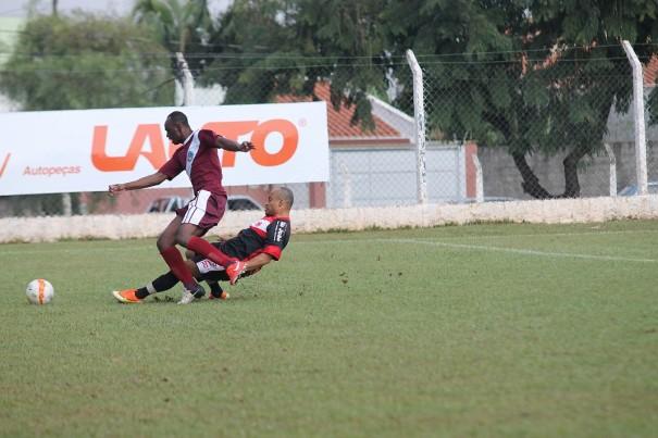 Milennium, de Xandão, venceu o Nova Santa Cruz, de Claudinei. (Foto: Diego Ortiz)