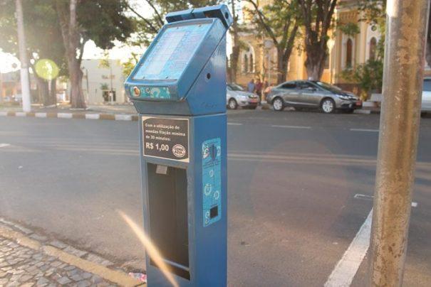 Parquímetros se tornaram alvos de delinquentes que agem em busca de furtar moedinhas (Foto: Ana Paula Meneghetti)