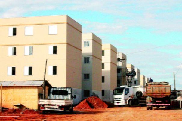 Unidades habitacionais devem ser entregues até fevereiro de 2016, segundo estimativa da Prefeitura; são 300 apartamentos (Foto: Ana Paula Meneghetti)