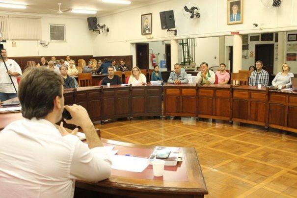 Audiência pública realizada na Câmara colocou em debate a concessão do Saae à iniciativa privada (Foto: Ana Paula Meneghetti)