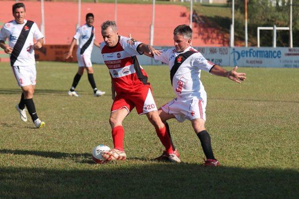 Vila Dias, do atacante Dadi, perdeu para a Santa Cruz, no Tucurão. (Foto: Diego Ortiz)