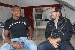 Val Barreto, ao lado do assessor da presidência do Mogi, Cristiano Rocha. (Foto: Divulgação/Assessoria MMEC)