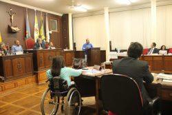 Na tribuna, André pediu ajuda dos vereadores para  resgatar as áreas (Foto: Ana Paula Meneghetti)