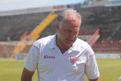 """""""Não gostei e não se faz futebol assim"""", desabafou Toninho. (Foto: Diego Ortiz)"""