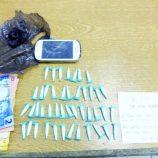 Na zona Leste, pedreiro é preso em flagrante com 44 pinos de cocaína