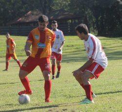 Jogando na casa do adversário, Piteiras bateu a Aparecidinha. (Foto: Diego Ortiz)