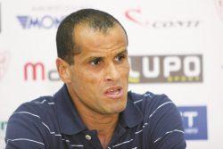 Rivaldo nega ter recebido verba do Mogi Mirim, de contrato com empresa, em sua conta. (Foto: Arquivo)