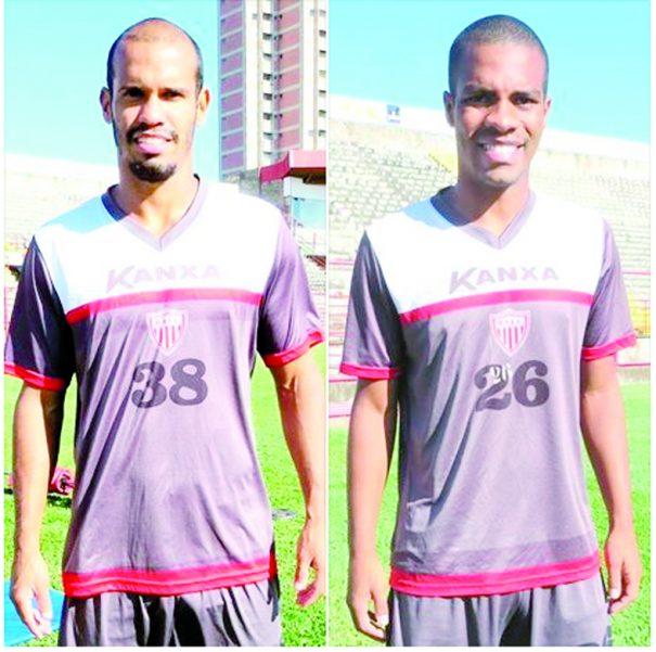 Michel Tiago estava sem clube e Carlinhos jogou no Cabofriense. (Foto: Marcelo Gotti / Assessoria MMEC)