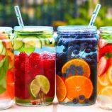 Toque de sabor: água aromatizada ajuda na hidratação