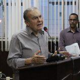 Em apresentação dos 100 dias de governo, prefeito diz não garantir contas em dia