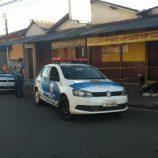 Rua Rio de Janeiro registra homicídio de morador de rua, em frente a um bar